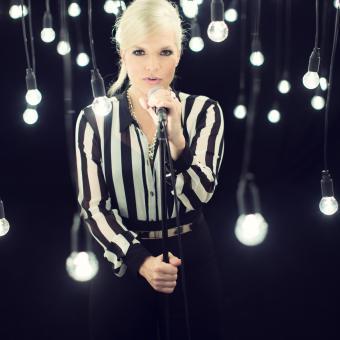 Ina Müller & Band...singt draußen